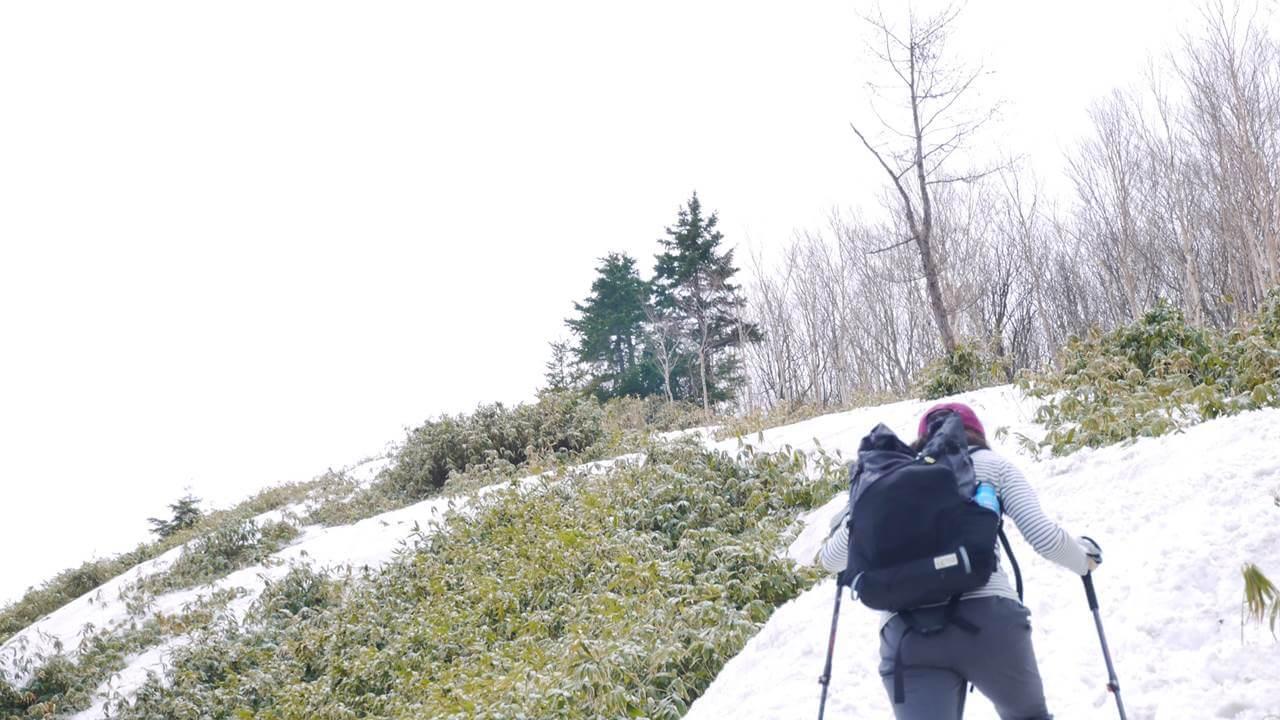 嫁も恵那山を登る