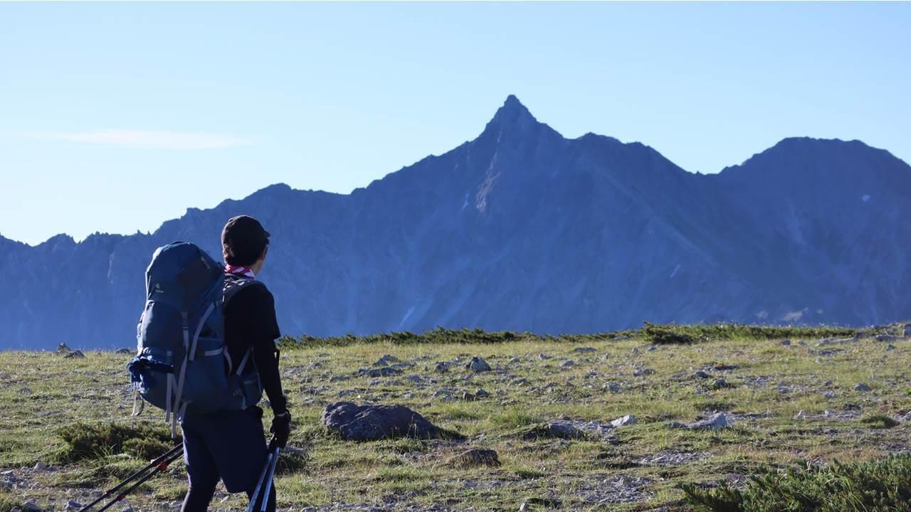 双六岳から見える槍ヶ岳