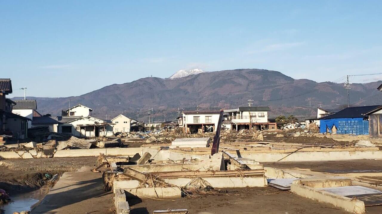 町を飲み込む千曲川氾濫による水害